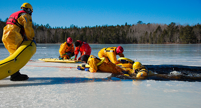Training in Ice Rescue